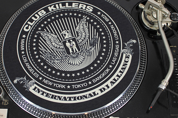 club-killers-eagle-slip-mat-3